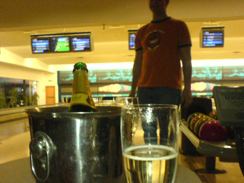 Sparkling wine, while playing bowling? Well, I was in a good mood :-)