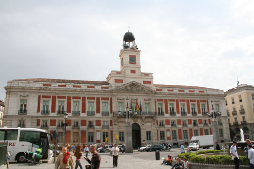 Moving madrid at dominik amon 39 s weblog for Plaza puerta del sol