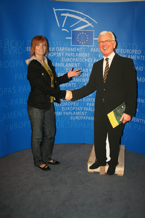 "Shaking hands with the (fake-) President of the European Parliament ""Hans-Gert Pöttering"""