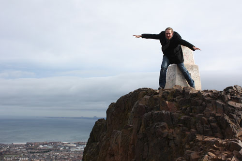 Dominik flying - At Arthurs seat with strong wind.